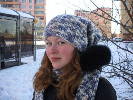 где купить модную шапку молодежную.