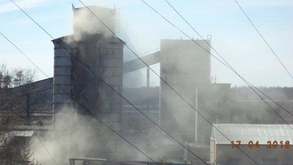 Селятинцы сообщают, что на бетонном заводе опять случился выброс пыли