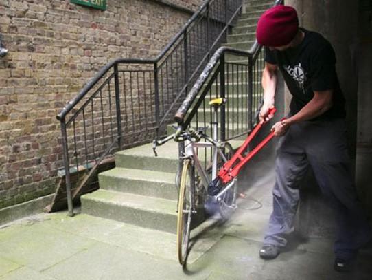 Полицейские раскрыли кражу велосипеда в Селятино