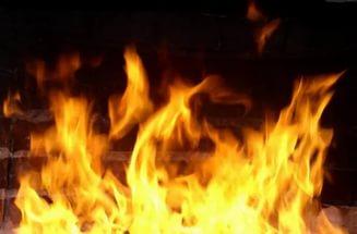 Один человек погиб и одиннадцать пострадали при пожаре в Селятино